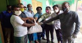 করোনা: নাগরপুরে কর্মহীনদের মাঝে খাদ্য সামগ্রী বিতরণ অব্যাহত