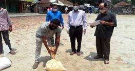 নাগরপুরে কর্মহীন গণপরিবহন শ্রমিকরা পেলো খাদ্য সহায়তা
