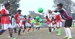 টাঙ্গাইলে দিন দিন এগিয়ে যাচ্ছে নারী ফুটবল