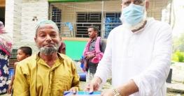 ভূঞাপুরে ৩০০ পরিবারকে ঈদ উপহার প্রদান করল সাবেক চেয়ারম্যান