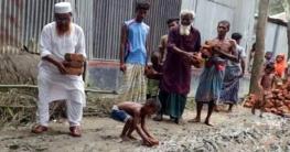 গোপালপুরের কাঁচা রাস্তা চলাচলের উপযোগি করলেন আ'লীগ নেতা