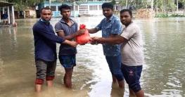 কালিহাতী উপজেলা ছাত্রলীগের ঈদ সামগ্রী বিতরন