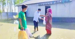 টাঙ্গাইলে শিক্ষার্থীদের জমানো টাকায় বন্যার্তদের খাদ্য সহায়তা