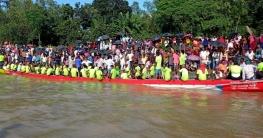 টাঙ্গাইলে যমুনা নদীতে ঐতিহ্যবাহী নৌকা বাইচ